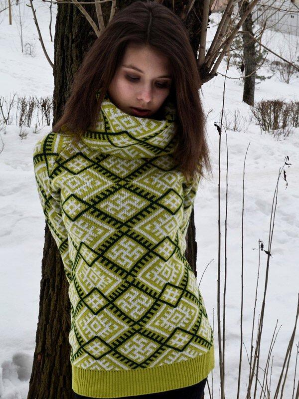 Свитер с воротом зелёный (женский)